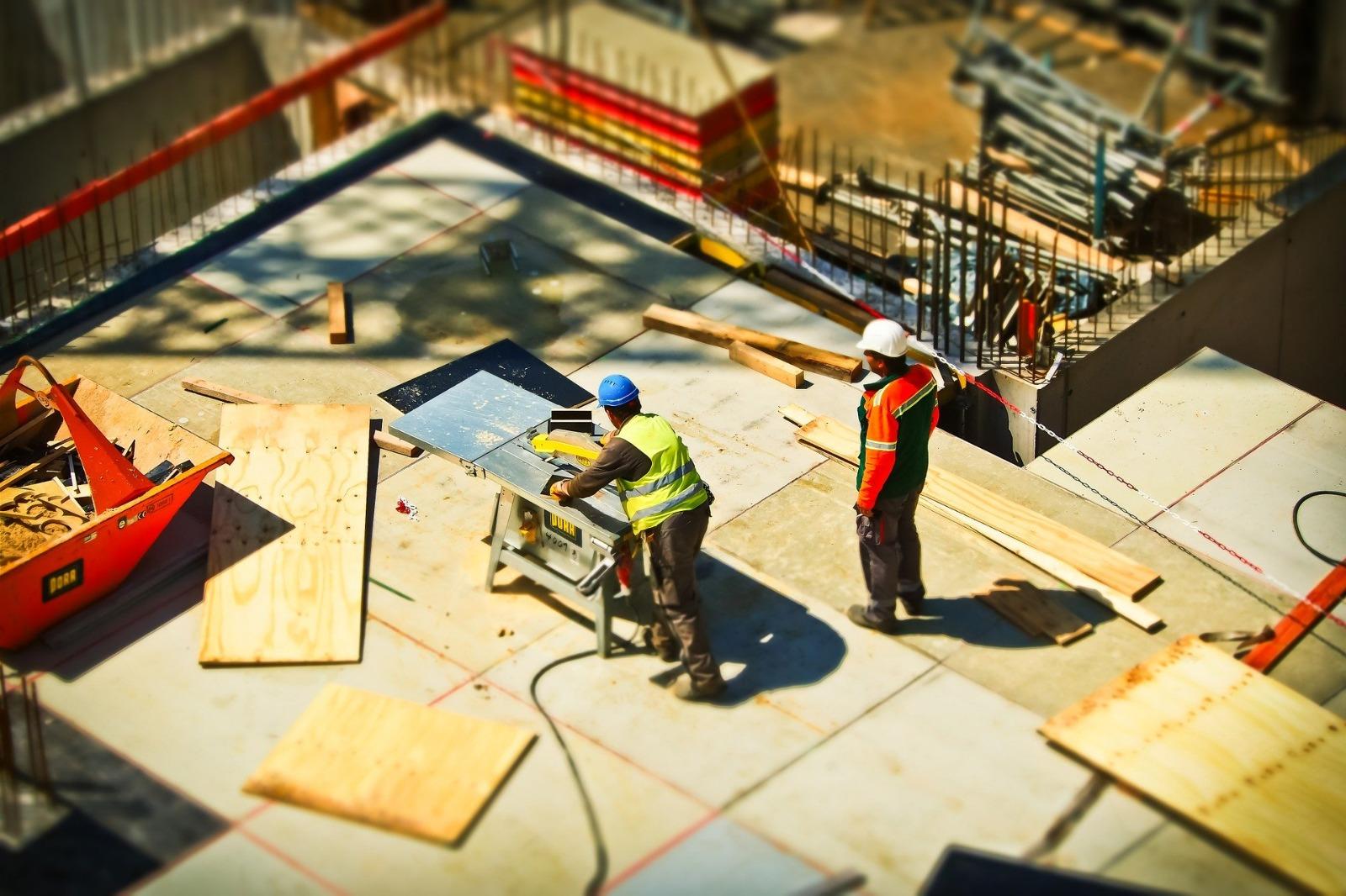 Muncitori în construcții